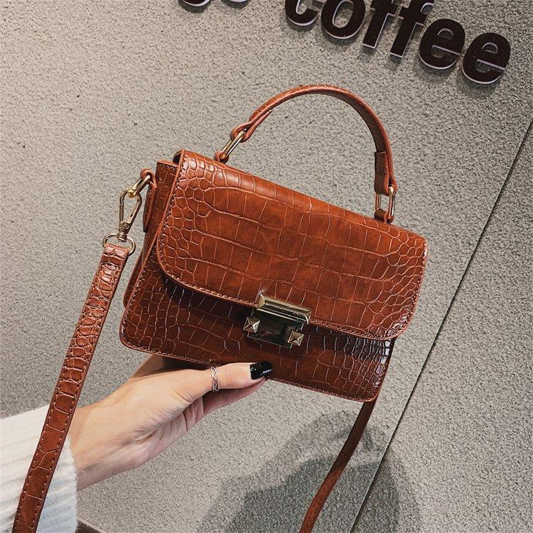 84b92bfdf7735 Der Koreanische Tasche Welle 2019 Schulter Version Textur Neue Quadratische  Brown Kleine Umhängetasche green Mode brown ...