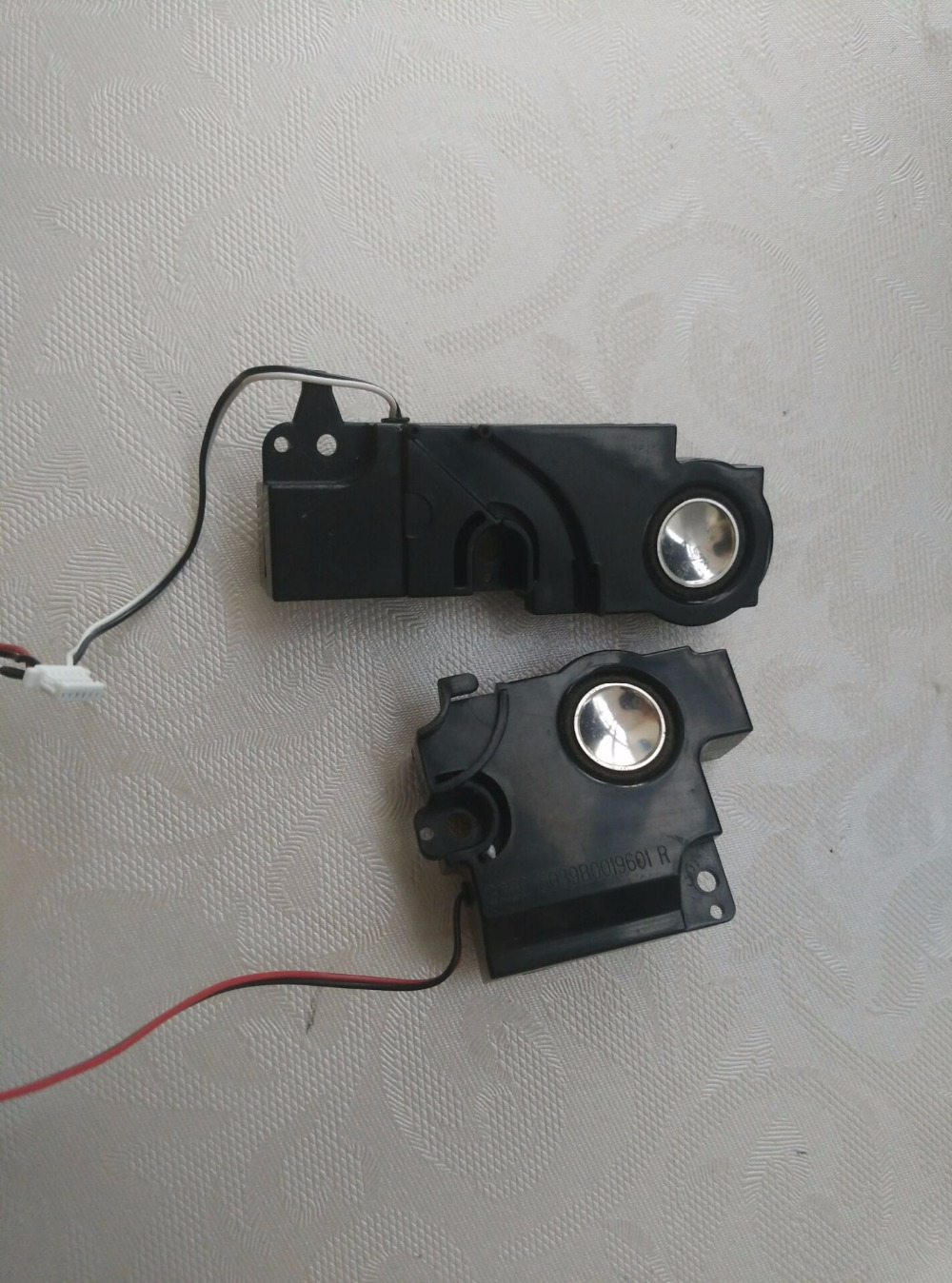 Free Shipping Original Internal Speaker For TOSHIBA SATELLITE A300 A305 A305D Left And Right Speakers.