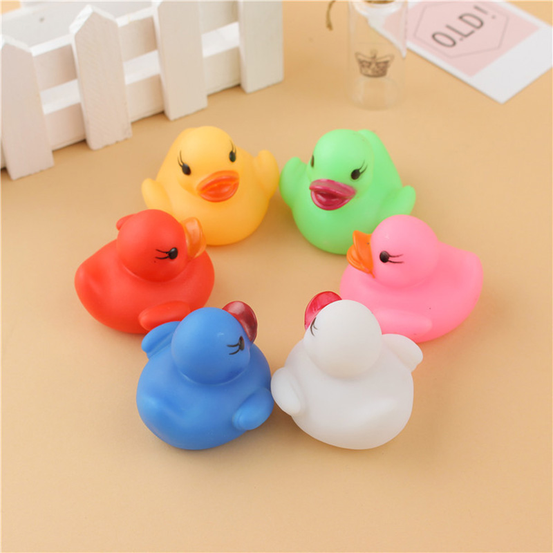 6Pcs/Set Cute LED Flashing Light Floating Duck Bath Tub Shower Rubber Toy For Kids S7JN