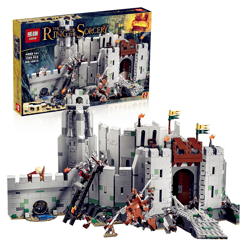 IN STOCK Lepin 16013 1368Pcs The Lord of the Rings Series The Battle Of Helm' Deep Model Building Blocks Bricks Educational Toys lepin 16018 756pcs genuine the lord of rings series the ghost pirate ship set building block brick toys compatible legoed 79008