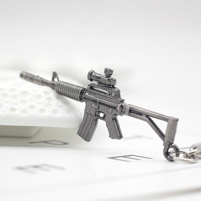 3D Simulation Gun Pendant Keychain Cool Men Metal Weapon Model AK47 M16 M4A1 AWM Revolver Guns Key Ring For Car Holder Chaveiro 2
