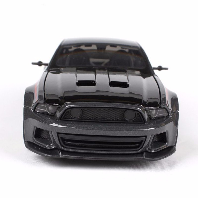 Kids Toys Maisto 1:24 diecast Car model 2014 Street Racer Modified Alloy Vehicles Cars Car Gift Car Toys for Collection