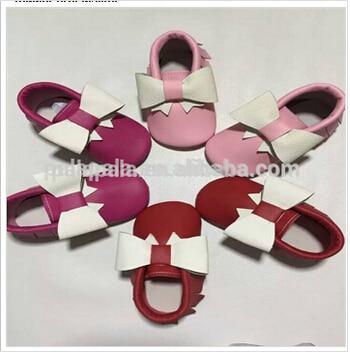 Nuevo color mezclado de calidad Superior Genuino de la Vaca de Cuero Mocasines arco Zapatos Suaves Del Bebé Recién Nacido primer caminante antideslizante Infantil zapatos