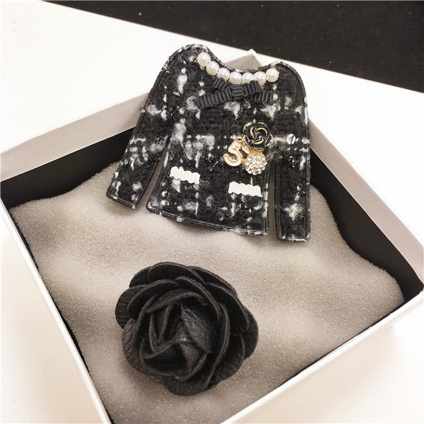 XZ3 Camellia Number 5 Luxury Brand Jewlery Lapel Pins and Brooches Broche Broach Jewelry Fashion for Women Clothing