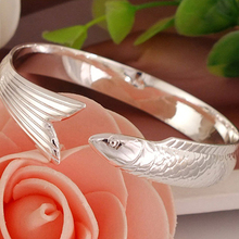 Women's Fashion Lucky Koi Fish Design Adjustable Open Bangle Bracelet Jewelry