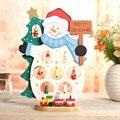 Frete Grátis XMAS Gift 1 pc mini Decoração de mesa de madeira Boneco de neve de Natal com ornamento X'mas, Mais de us $100 TNT Frete Grátis