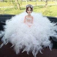 Blanco Plumas vestido de boda muñeca joyería hecha a mano muñeca coche decoración regalo