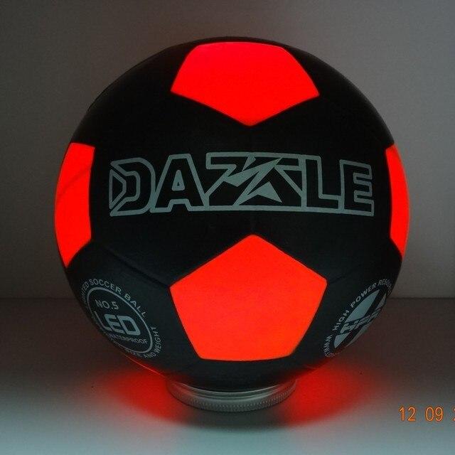 912f7df28 Jogo Levou Luz Até Bola de Futebol Jogo de Futebol Durante a Noite e dia  Design