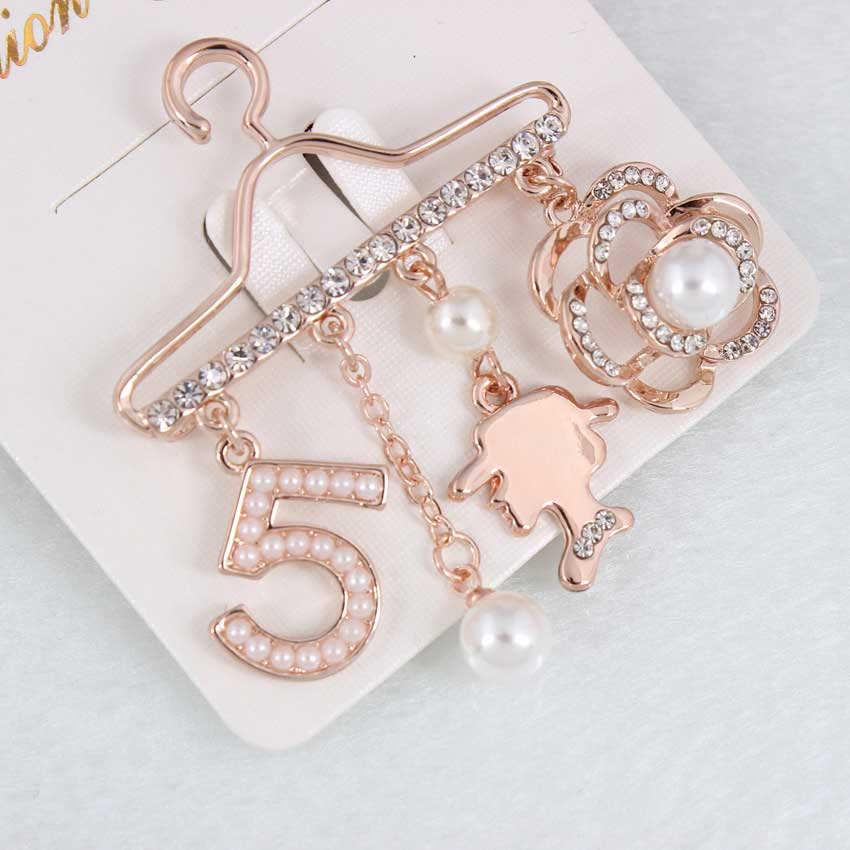 Fashion Brooch Pin Generous Pearl letter Brooch Pin Scarf Pin Top Fashion N5 Brooch For Women 4