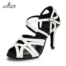 Ladingwu Hot Selling Spot Kvinnors Latin Dance Shoes Vit / Svart Skor För Kvinnor Salsa Party Heel 6 / 7.5 / 8.5 / 10cm Storlek 35-44