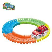 57 db / készlet Magic Track Játékok Műanyag gyűrű Oktatás Glowing In Dark Flexible versenypálya LED kisautó játékok fiúknak