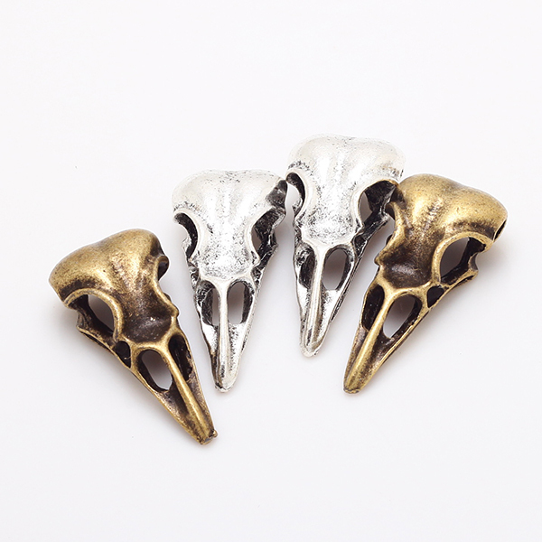 (15 pieces/lot) 32*15*11mm Antique Metal Alloy 3D Skull Birdhead Charms Fit Jewelry Making Charms 8139 skull necklace raven skull