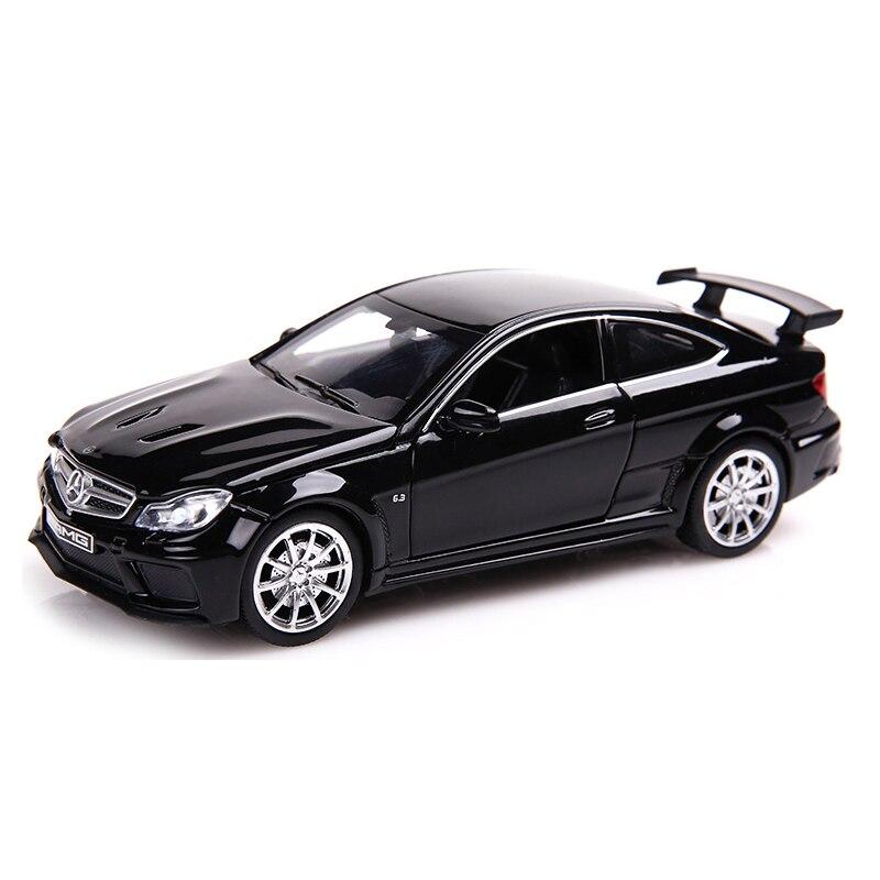 C63 Diecast Alaşım Oyuncak Metal Arabalar 1:32 Ölçekli Simülasyon Çekin geri Otomobil Modeli Ses ve Işık Çocuk Koleksiyonu Oto oyuncaklar
