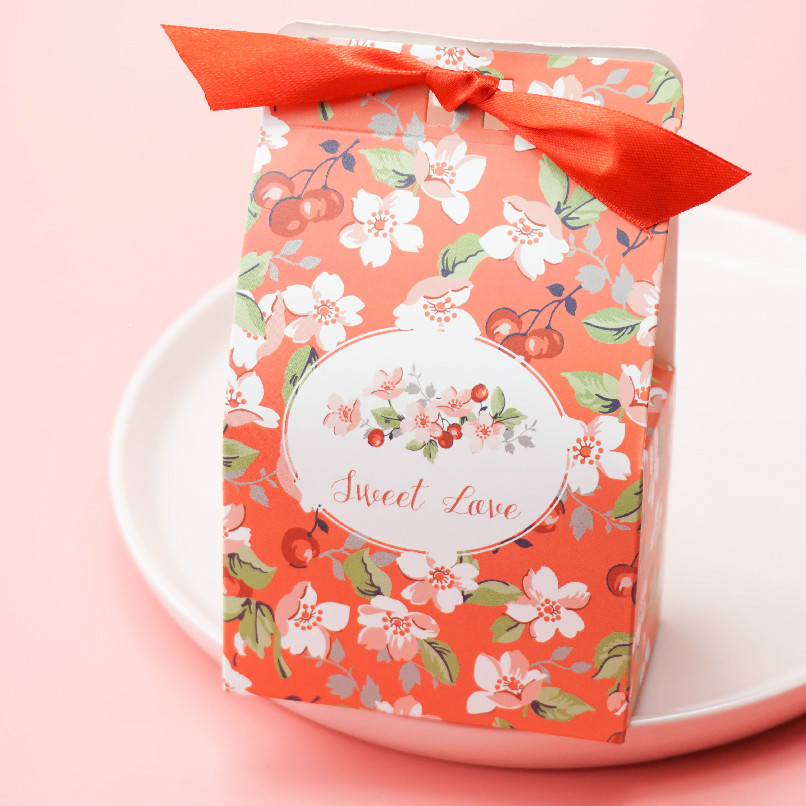 50pcs Sweet Love Flower Wedding Favors Candy Box With