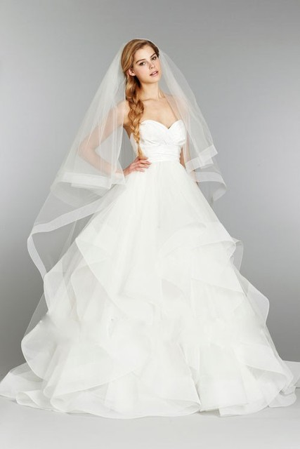 New Romantic Veil with Comb Wedding Veil Long Bridal Veil Of Bride Cathedral Veil With Sheer Tulle Ribbon Edge 2016
