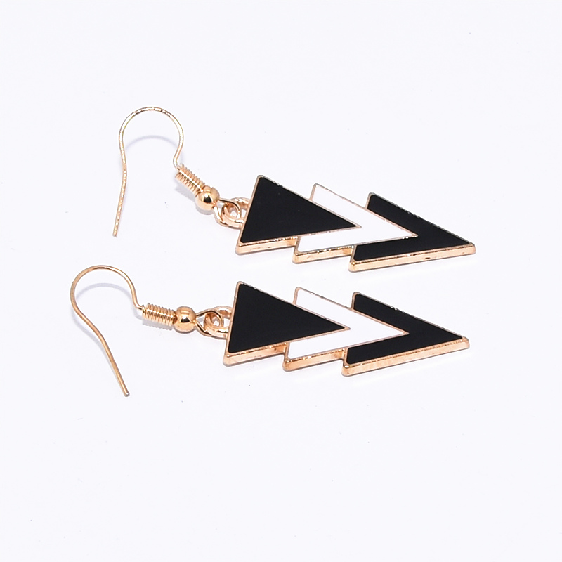 Korea Fashion Geometric Earrings Statement Black White Triangle Dangle Drop Earrings for Women Jewelry Oorbellen Aretes De Mujer 4