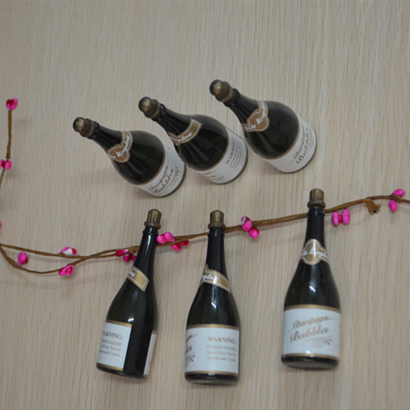 Online get cheap plastic champagne bottles for Plastic bottles decoration pieces