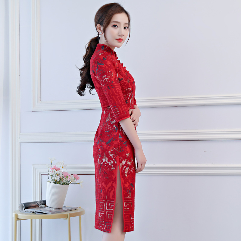 New Arrival Traditional Chinese Women Dress Elegant Ladies  Sexy Lace Qipao  Novelty Flower Slim Short Cheongsam Size S-XXL Z081 b784c2708cf5