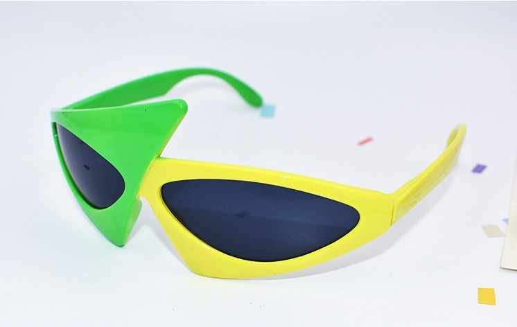 9cfe3586ac ... Hip-Hop Sunglasses Roy Purdy Style mask funny sunglasses Novelty Green  yellow Contrast Color Glasses