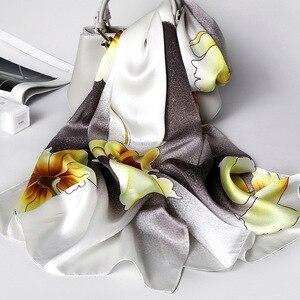 Image 2 - יוקרה מותג 100% משי אמיתי צעיף נשים מעצב וכורכת אלגנטית פרחוני הדפסת פשמינה רך חורף צעיפי femme חיג אב