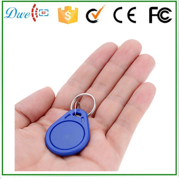 DWE CC RF Free shipping 100pcs per lot 125khz em id access control key chain tag for door system dwe cc rf free shipping 100pcs per lot factory price iso14443a mf access control 13 56mhz pvc cards