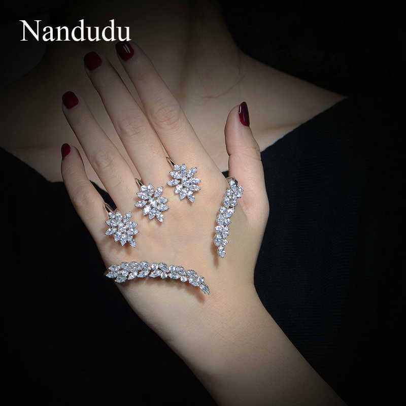 Nandudu Nice Cubic Zirconia Palm Bracelet  White Gold Color Hand Cuff Fashion Bangle Jewelry Women Girl Gift R1116