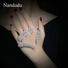 Nandudu 좋은 입방 지르코니아 팜 팔찌 화이트 골드 컬러 핸드 커프 패션 팔찌 쥬얼리 여자 여자 선물 r1116