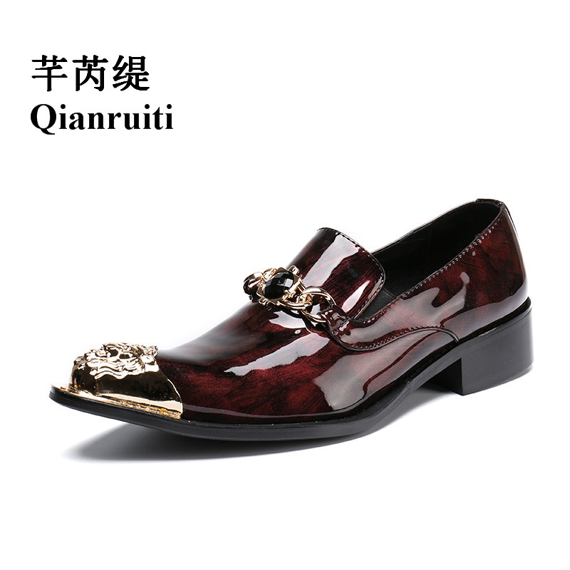 Qianruiti British Style Men Patent Leather Loafers Gold Metal Toe Wedding Oxfords Gold Chains Slip-on Slippers Men Dress Shoe qianruiti men alligator gold loafers metal toe business wedding oxfords high quality lace up slippers men dress shoe eu39 eu46