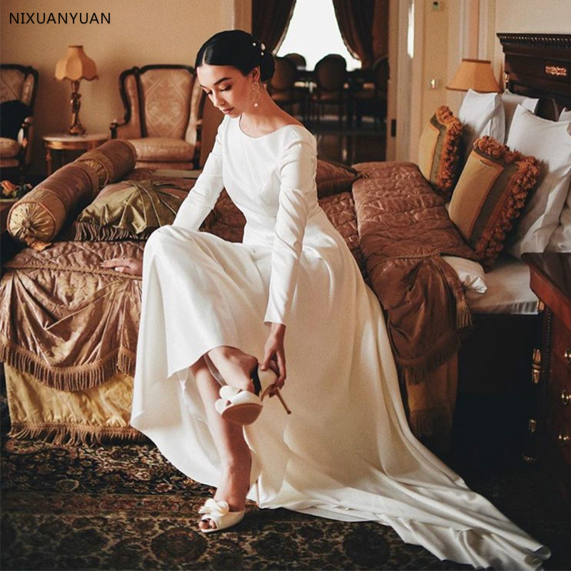 Vintage A-line Wedding Dress With Long Sleeves White Ivory Simple Robe De Mariee Sweep Train Backless Custom Bridal Dress 2020