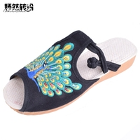 Vintage Vrouwen Schoenen Pauw Borduurwerk Katoen Slippers Fashion Sandalen Chinese Casual Slide Platte Schoenen Slip op Peep Toe Sandials