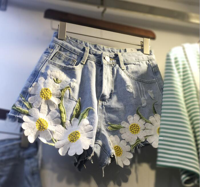 Summer Women Denim Jeans Shorts Plus Size 5XL High Waist Daisy Embroidery Appliques Short Pants Causal Short Feminino
