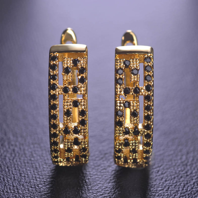 a805c2f899b35 US $8.64 10% OFF|Dazz Simple Square Small Tiny Stud Earrings For Women  Black Stones Gold Color Cluaise Aretes Wedding Brincos Mujer Joyas -in Stud  ...