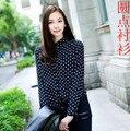 2016 Moda nuevo de las mujeres blusa de la vendimia mujer polka dot print gasa camisa de manga larga da vuelta-abajo de la mujer top azul marino, blanco