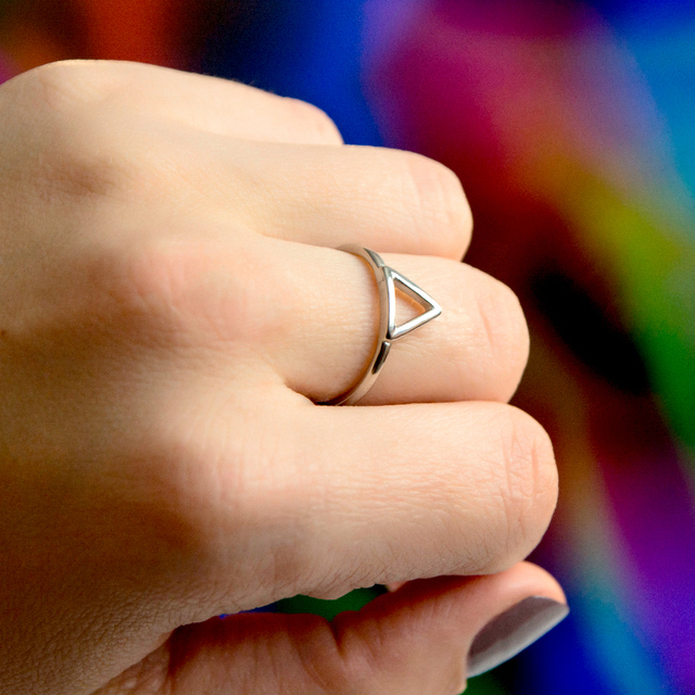 E-manco Minimaliset Punk acier inoxydable anneaux pour femmes géométrique délicat pinky anneau empilable triangle midi anneaux bijoux