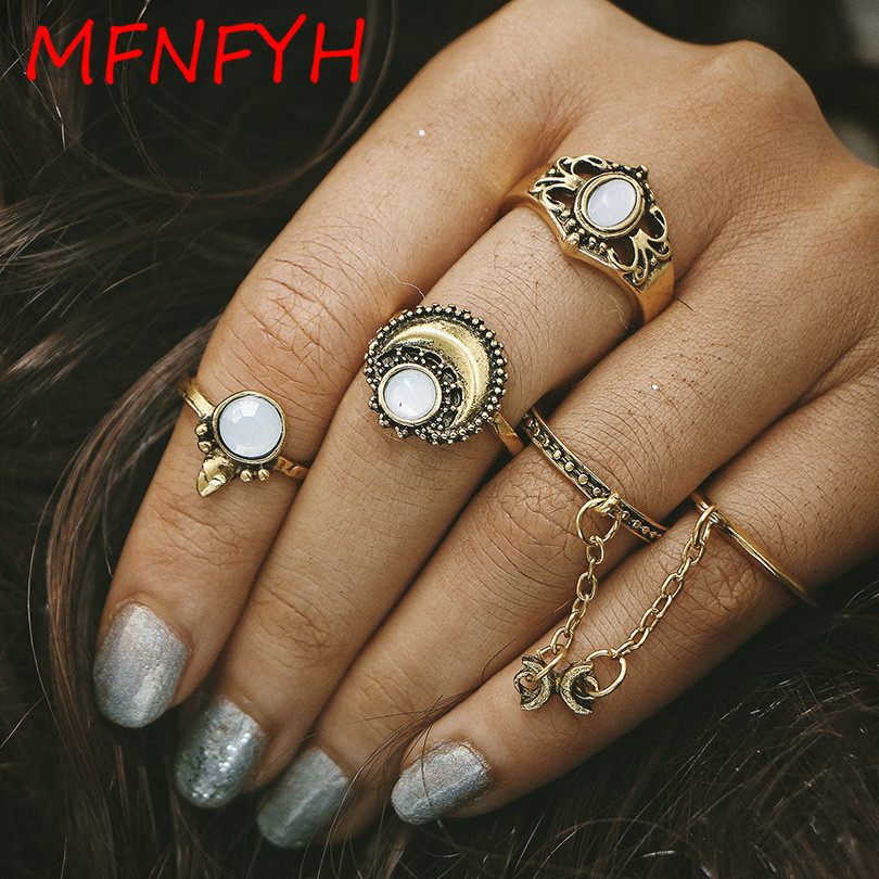 MFNFYH 5PCS/set Vintage Opal Finger Rings Set for Women Antique Gold Silver Moon Hollow Out Flower Bohemian Midi Ring Anillos