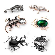 RINHOO Shiny Crystal Green Insect Brooch Gecko Brooches Women Kids Birthday Gifts Clothes Decoration Suit Collar Coat Pins crystal enamel green gecko brooches lizard brooch pins animal corsage chameleon scarf buckle