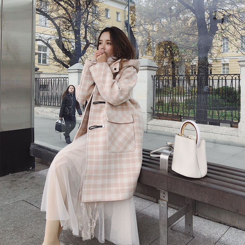 MISHOW 2019 autumn winter plaid woolen coat new fashion causal women horn botton with hat long coat MX18D9673 outfits para playa mujer 2019