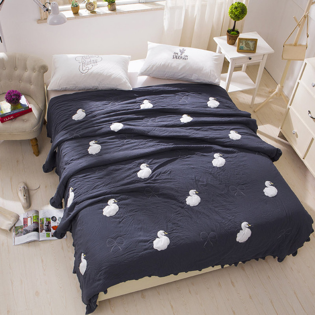 Dark Blue Summer Quilt Swan Printed Quilt Lightweight Summer Quilt