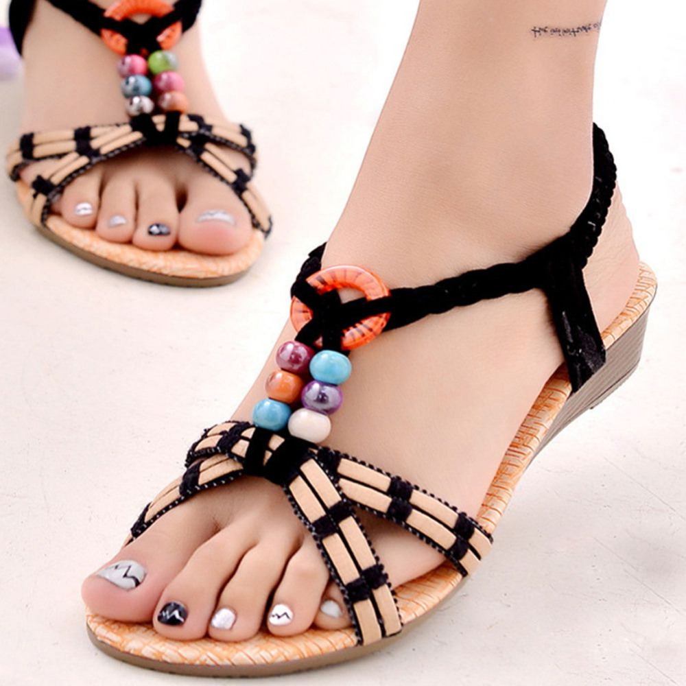 Our online collection of cheap footwear has got a terrific assortment of women's shoes to complete your style, from feminine and sexy high heels to comfortable yet fashionable flats, trendy wedges, sporty trainers and more.