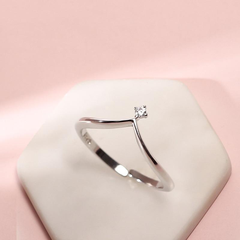 925 Sterling Silver Jewelry Elegant V Shape Zircon Rings For Women Minimalist Fashion Love Heart Finger Ring Jewelry New Arrival