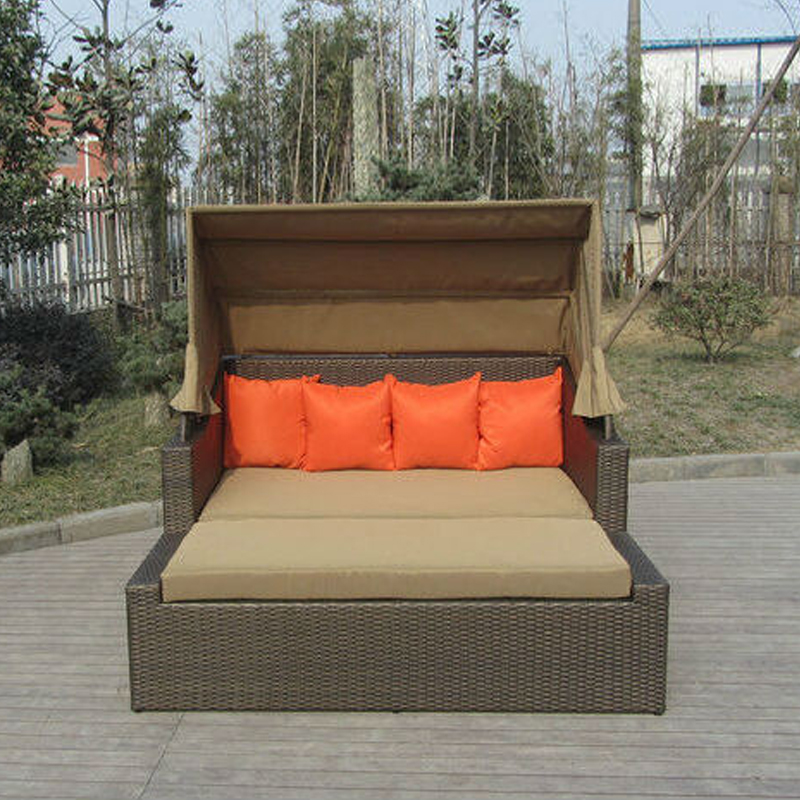 Resin Wicker Outdoor Daybed Sofa: Square Resin Wicker Lounge Bed , Balcony / Garden Cane