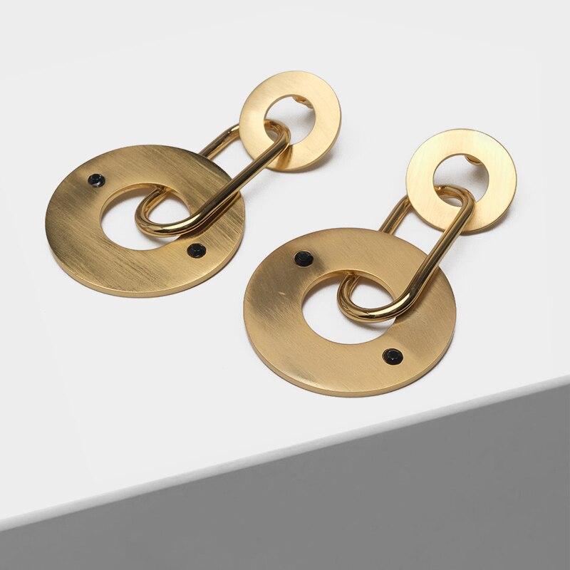 Gold round pendant fashion drop earrings