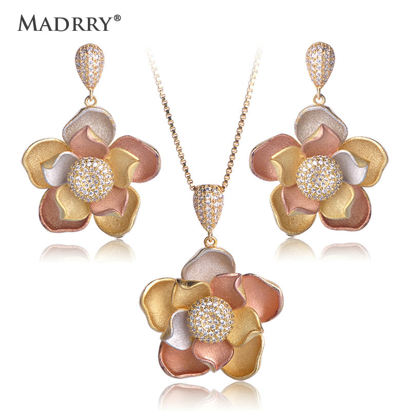 Madrry Flowers Shape Pendant Necklace Dangler Earrings Jewelry Set Rhinestones Copper Zircon for Women Banquet Party AccessoriesMadrry Flowers Shape Pendant Necklace Dangler Earrings Jewelry Set Rhinestones Copper Zircon for Women Banquet Party Accessories