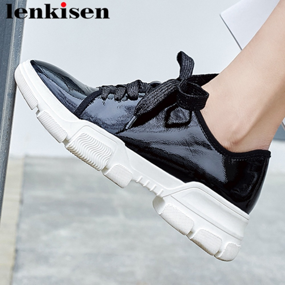 2019 new arrival balck white natural leather round toe lace up casual shoes med bottom platform sneakers vulcanized shoes L212019 new arrival balck white natural leather round toe lace up casual shoes med bottom platform sneakers vulcanized shoes L21