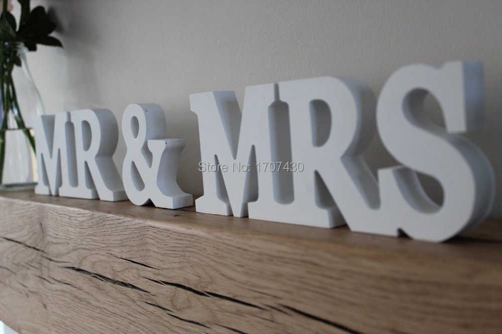 Mr& Mrs set wedding table decor. Mr and Mrs head table sign for wedding. Photo Prop. Wedding signage
