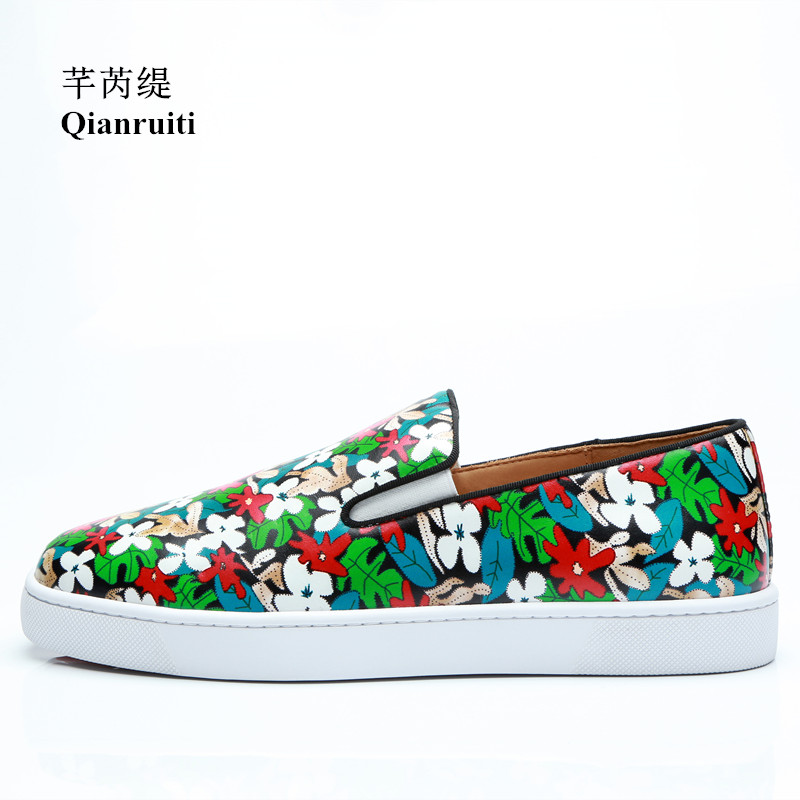 Qianruiti Men Floral Flat Slip-on Sneakers Italy Street Shoes Low Top Printing Flower Men Runway Chaussures Hommes EU39-EU47 suede low top slip on sneakers