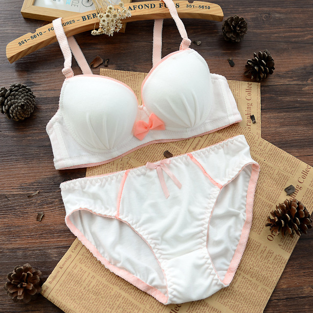 d19ebd60f5 Girls training underwear Comfortable Cotton Wire Free Young Training Bra  Cute Bow Girls Bra+Briefs 2pcs Girls Underwear Sets