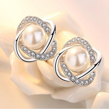 Fashionable Crystal Stud Earring With CZ Diamonds Lady Earring Trendy Coroa Brincos Pendiente Sweet Style Big Simulated Pearls
