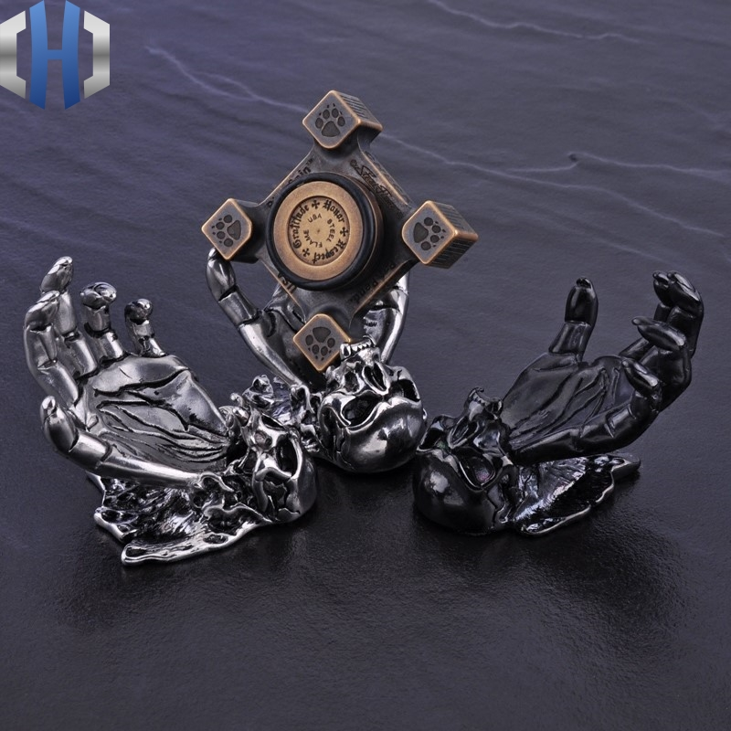Skull Left Hand Palm Stainless Steel Gyro Display Stand Shooting Props Boutique Ornaments EDC Accessories in Crowbars from Tools