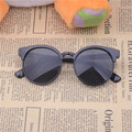 Oculos de sol feminino óculos de sol encantador Anti ultravioleta Frete grátis. óculos de sol, o Menor preço, o estilo o Mais Atrasado.